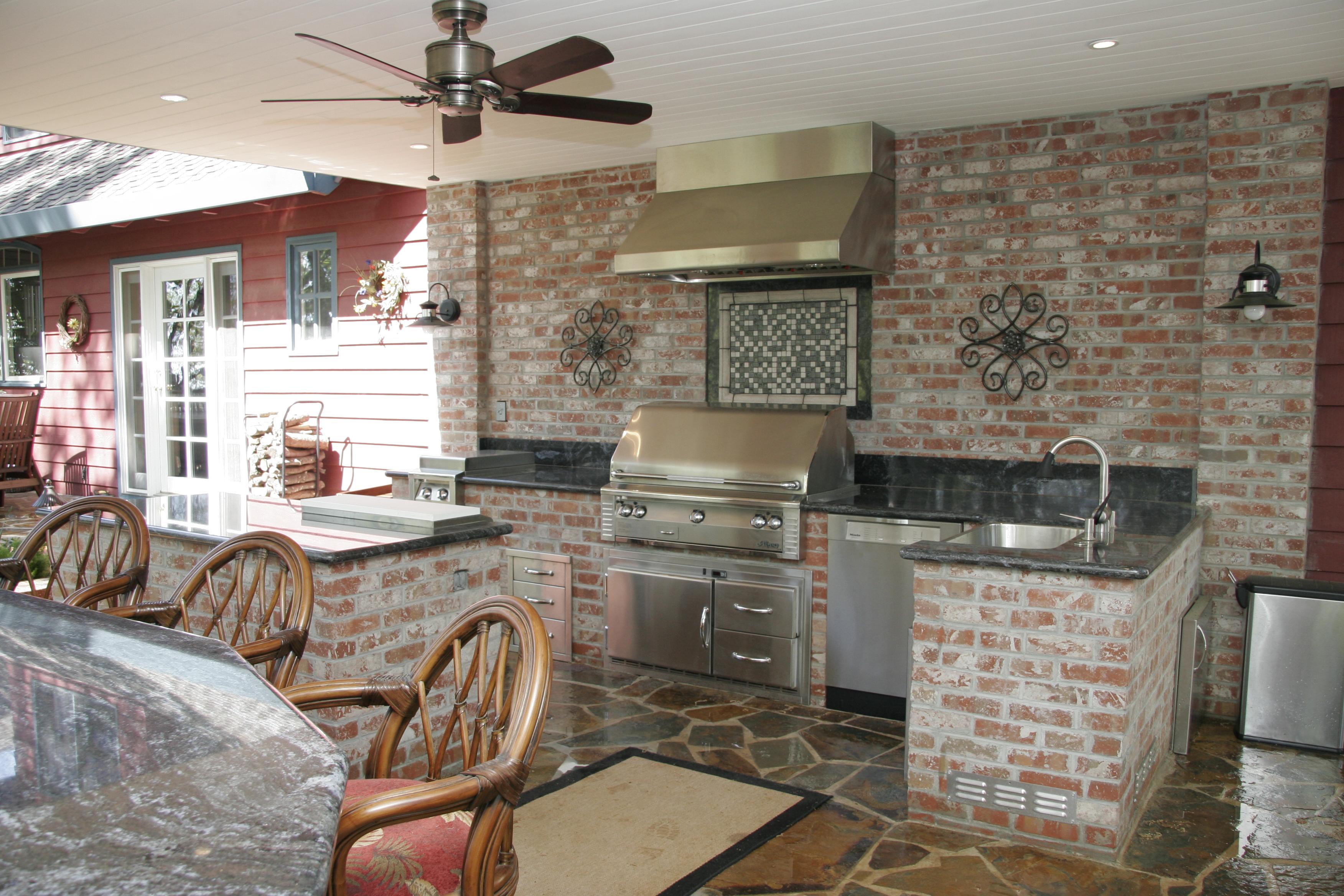 New outdoor brick kitchen designs taste for Outdoor brick kitchen designs