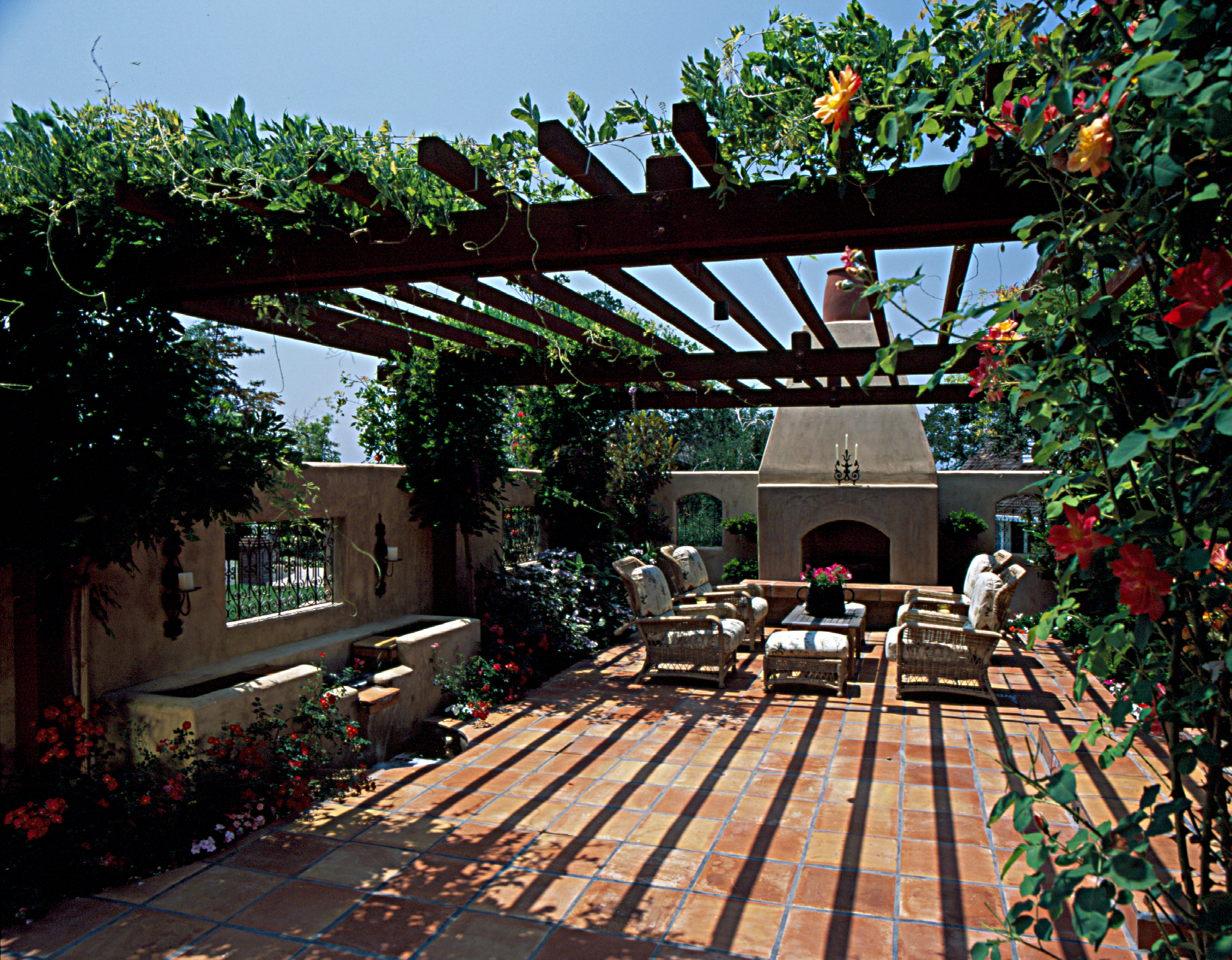 Inviting front yard courtyard michael glassman associates for Courtyard landscaping ideas